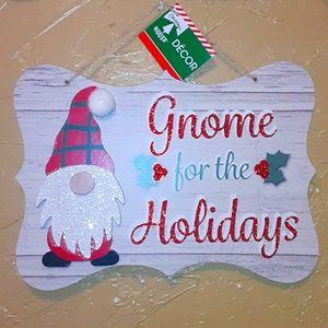Gnome Christmas wall hanging NWT